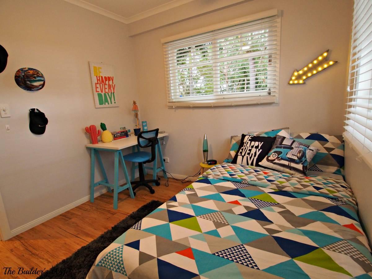 Pen Y Llechwedd-An Update Master 14's Bedroom