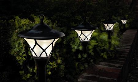 Nice-Solar-Powered-Garden-Lights