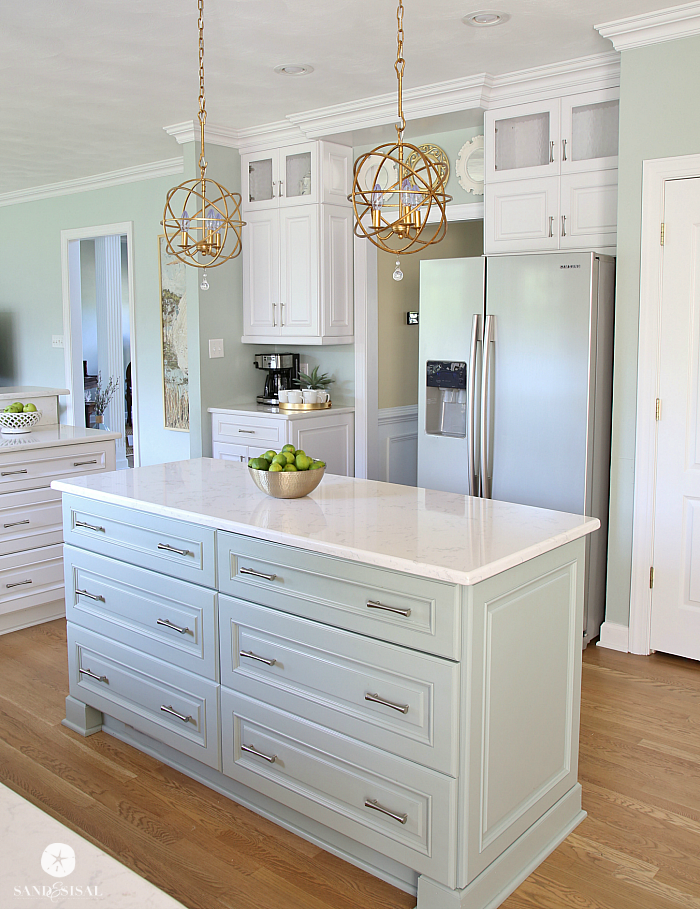 Coastal-Kitchen-Island-Oyster-Bay
