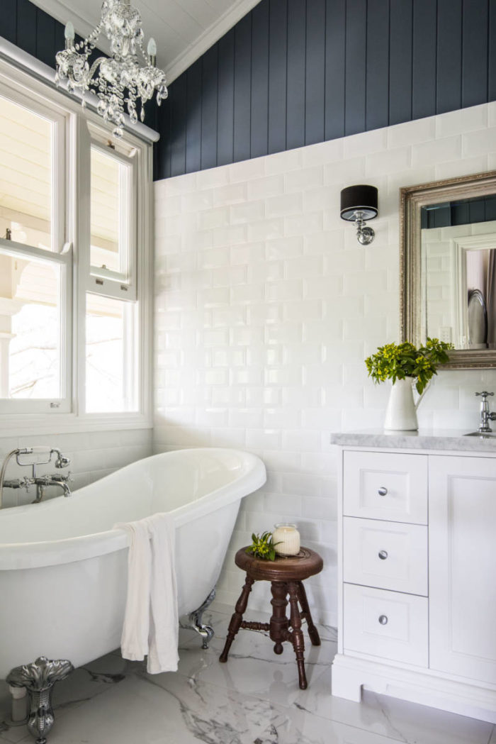 Hamptons style bathrooms inspired space the builder 39 s wife for Bathrooms in style