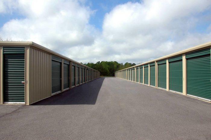 storage-warehouse-1553550_1280