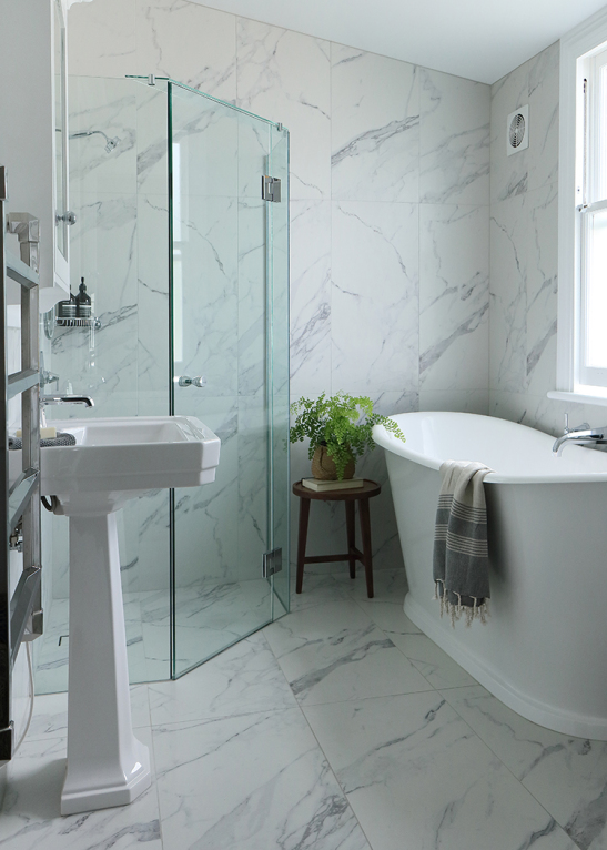 art deco style bathroom  tiling