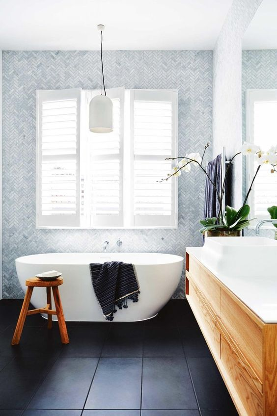 https://www.insideout.com.au/renovations/house/the-blocks-dee-and-darren-show-off-their-charming-family-home/image-gallery/cdf9342ed57e2186c7b11c70f1dc6cb8?ref=/expert-advice/expert-advice-collections/how-to-have-a-relaxed-lunch-that-celebrates-family-time